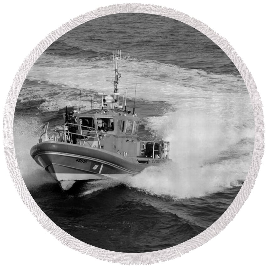 Harbor Round Beach Towel featuring the photograph Coast Gaurd In Action In Black And White by Rob Hans