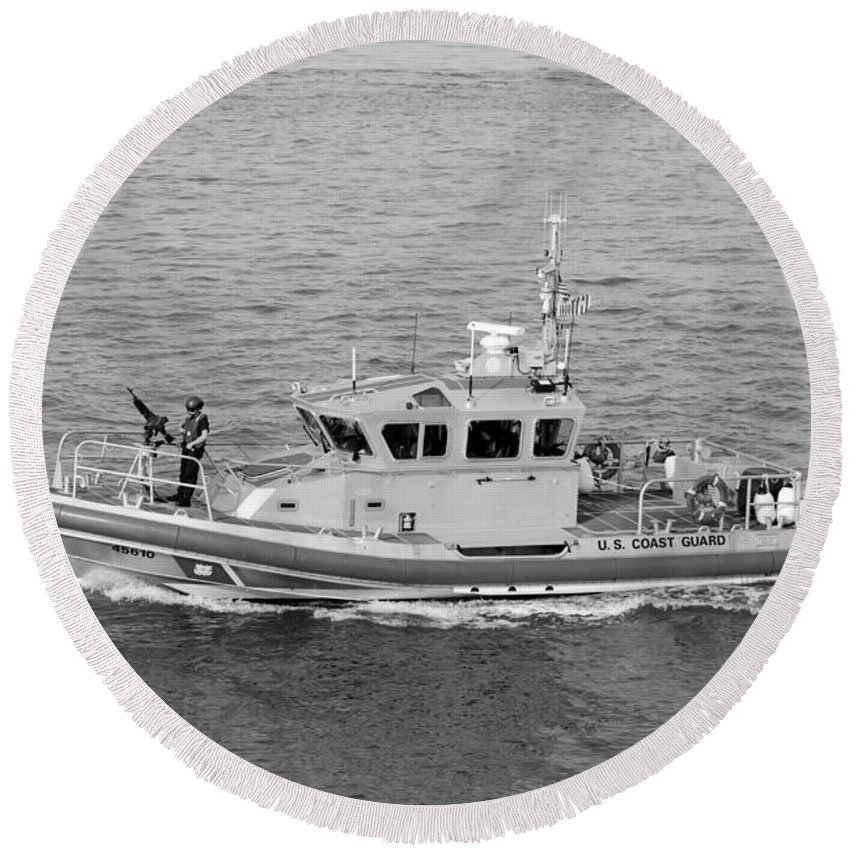 Harbor Round Beach Towel featuring the photograph Coast Guard On Patrol In Black And White by Rob Hans