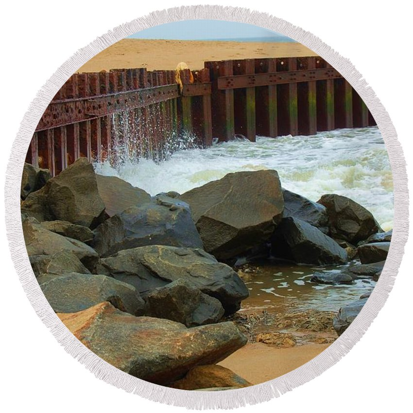 Water Round Beach Towel featuring the photograph Coast Of Carolina by Debbi Granruth