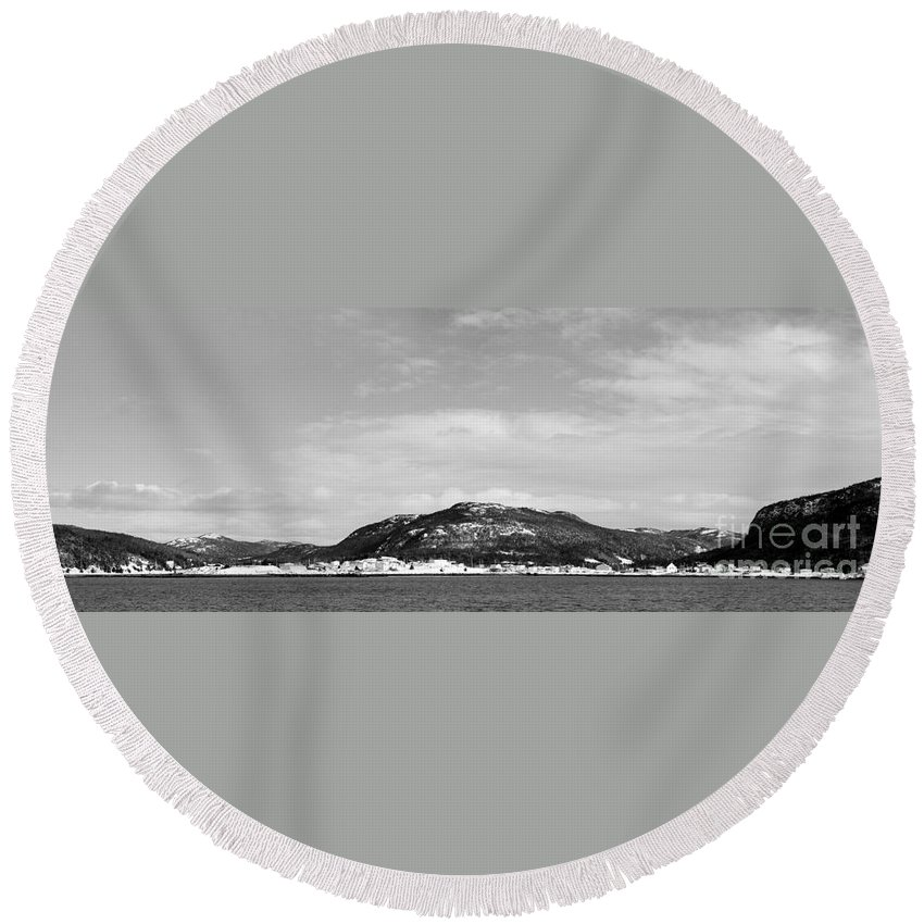 Barbara Griffin Round Beach Towel featuring the photograph Cold Day In The Harbour by Barbara Griffin