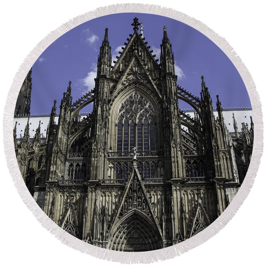 2014 Round Beach Towel featuring the photograph Cologne Cathedral 04 by Teresa Mucha