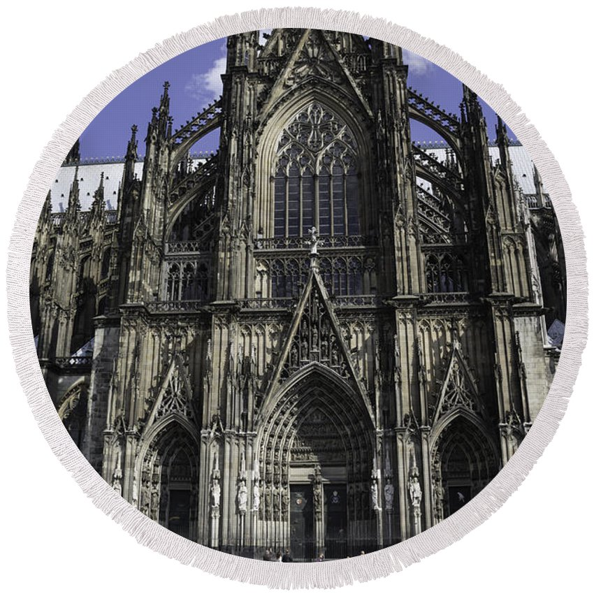 2014 Round Beach Towel featuring the photograph Cologne Cathedral 05 by Teresa Mucha