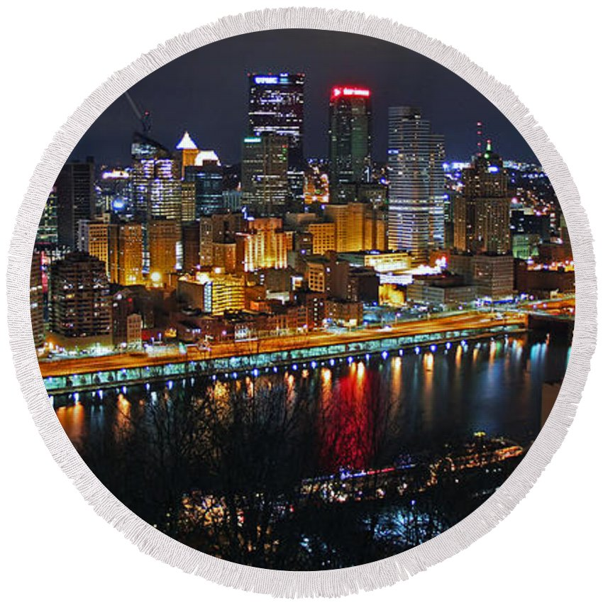 Pittsburgh Round Beach Towel featuring the photograph Colorful Night by Iryna Goodall