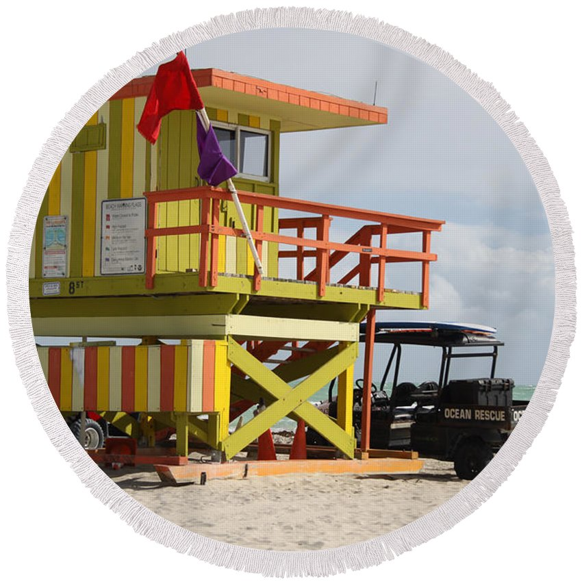 Ocean Rescue Round Beach Towel featuring the photograph Colorful Ocean Rescue Miami by Christiane Schulze Art And Photography