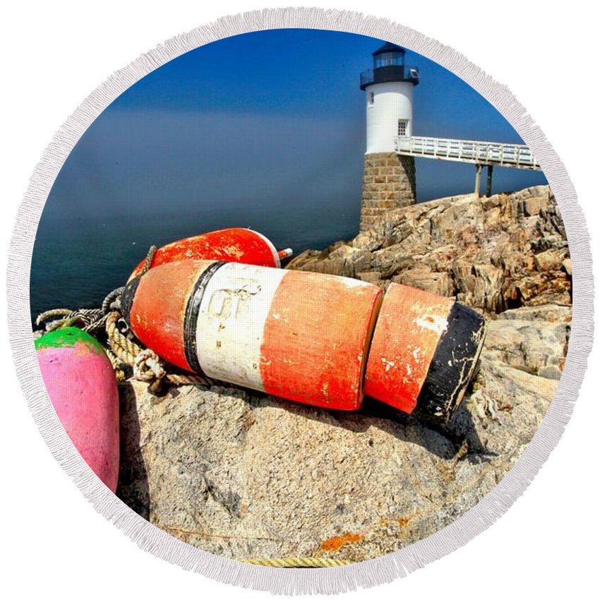 Robinson Point Lighthouse Round Beach Towel featuring the photograph Colors On The Rocks by Adam Jewell