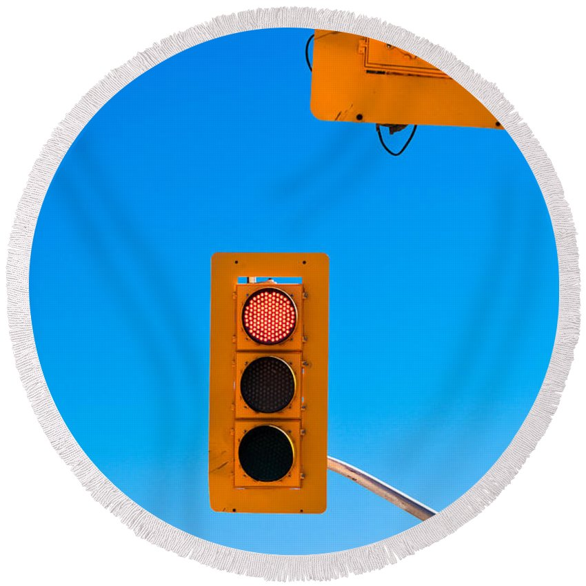 Blue Round Beach Towel featuring the photograph Confusing Green Red Traffic Lights Sky Copyspace by Stephan Pietzko