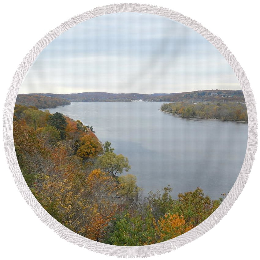 Round Beach Towel featuring the photograph Connecticut River by Wolfgang Schweizer