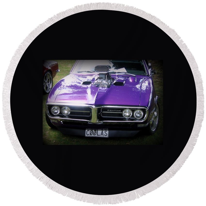 Pontiac Round Beach Towel featuring the photograph Cool As by Guy Pettingell