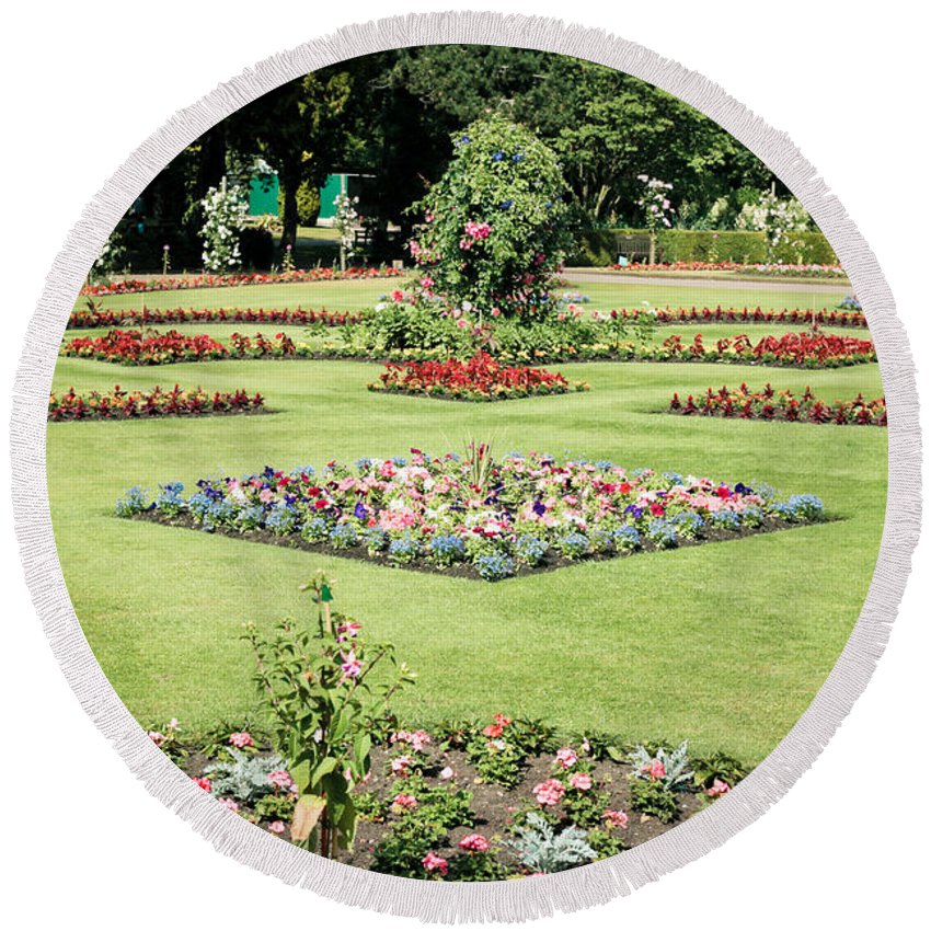 Abbey Round Beach Towel featuring the photograph Country Garden by Tom Gowanlock