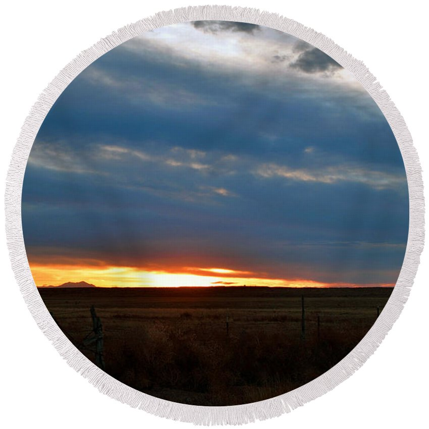 Landscape Round Beach Towel featuring the photograph Country Sunset by Pam Romjue