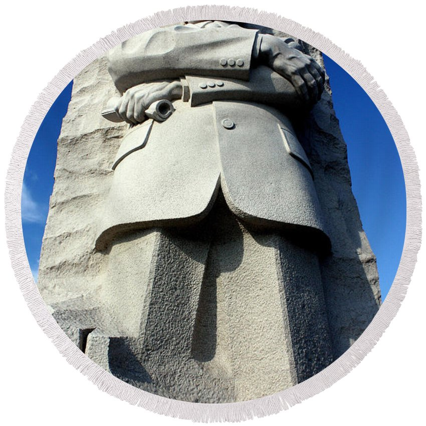 Martin Luther King Round Beach Towel featuring the photograph Courage by Suzanne Stout