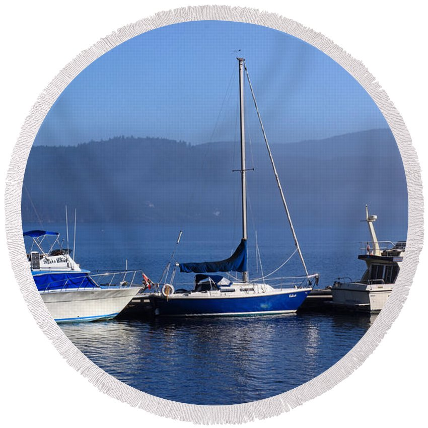 Boats Round Beach Towel featuring the photograph Cow Bay Trio by Randy Hall