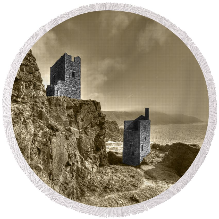 Bottallack Round Beach Towel featuring the photograph Crown Tin Mines by Rob Hawkins