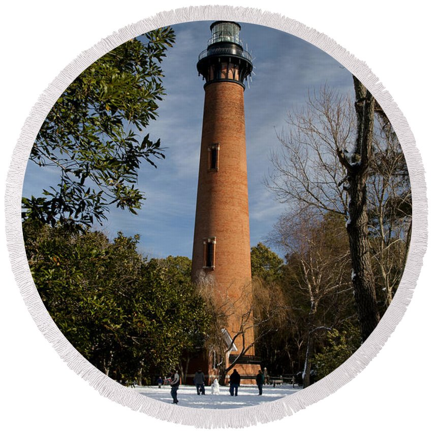 Currituck Beach Round Beach Towel featuring the photograph Currituck Beach Lighthouse Corolla Nc Color Img 3772 by Greg Kluempers