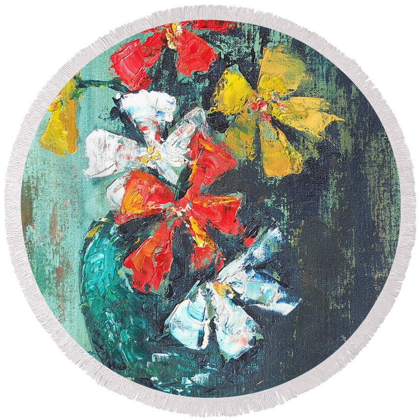 Flowers Round Beach Towel featuring the painting Daisies In A Green Vase by Olga Kaczmar