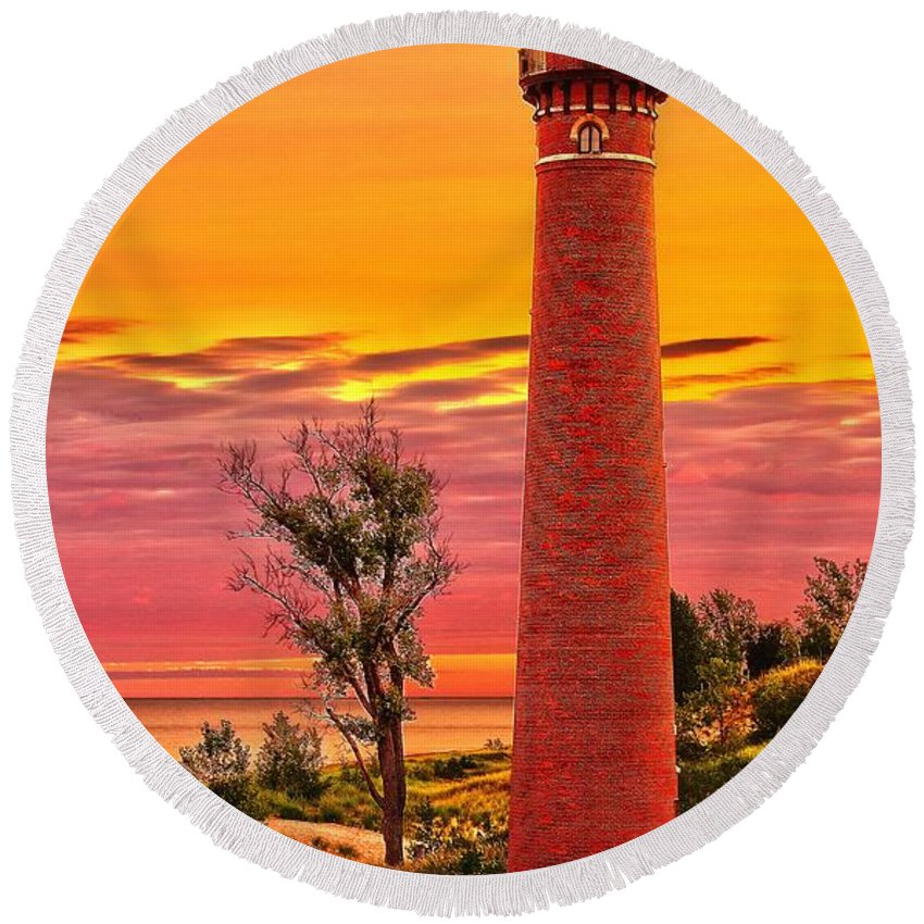 Sable Round Beach Towel featuring the photograph Dawn's Light At Little Sable by Nick Zelinsky