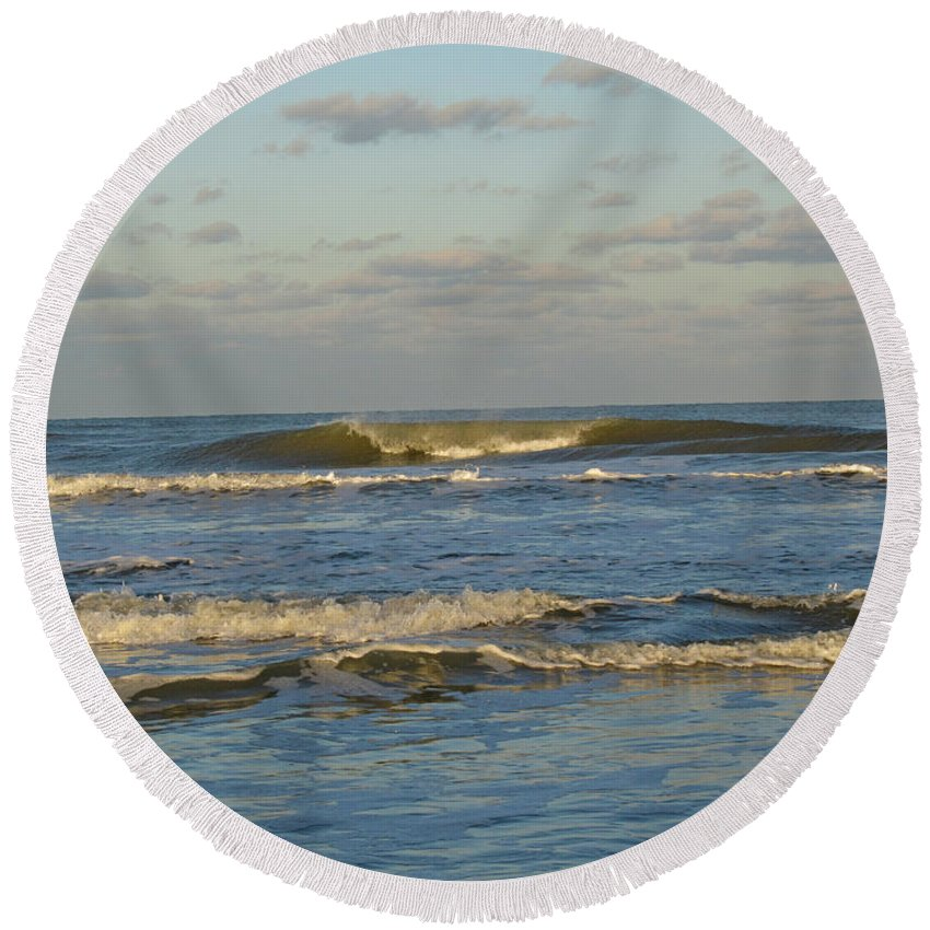 Ocean Round Beach Towel featuring the photograph Day At The Ocean by Donna Brown