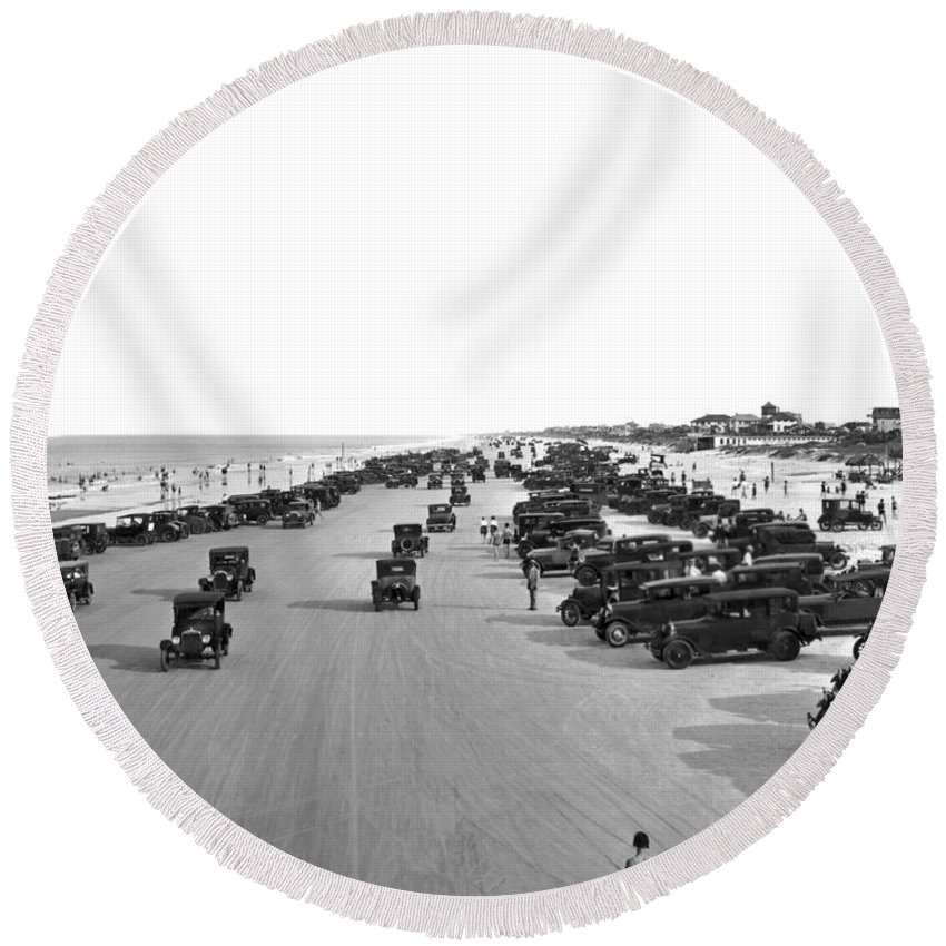 1925 Round Beach Towel featuring the photograph Daytona Beach, Florida. by Underwood Archives