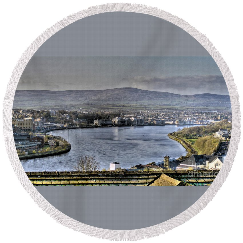 River Foyle Round Beach Towel featuring the photograph Derry View by Nina Ficur Feenan