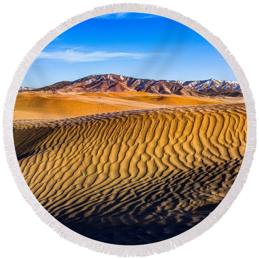 Utah Round Beach Towel featuring the photograph Desert Lines by Chad Dutson
