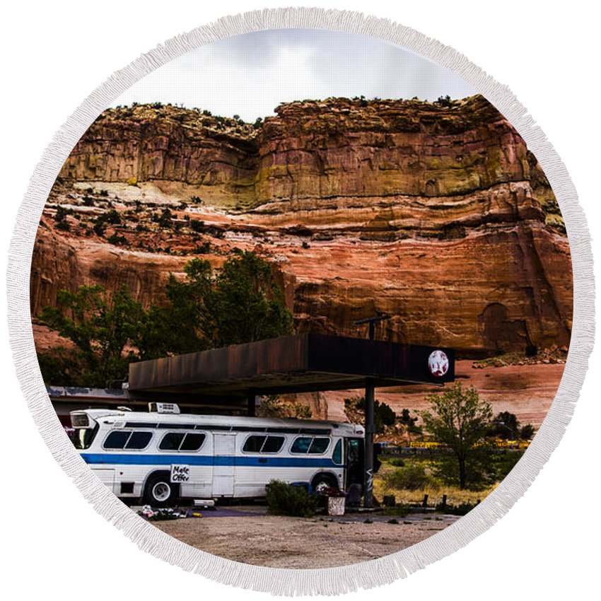 Route 66 Round Beach Towel featuring the photograph Desert Pit Stop by Angus Hooper Iii