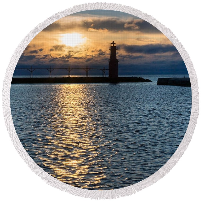 Lighthouse Round Beach Towel featuring the photograph Determined Presence by Bill Pevlor