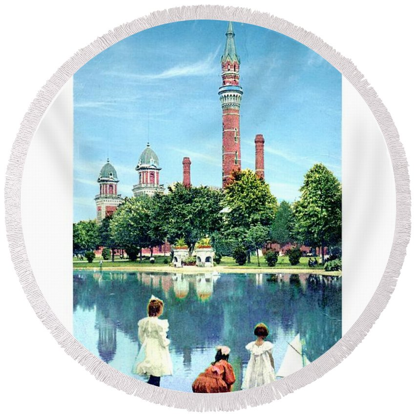 Detroit Round Beach Towel featuring the digital art Detroit - Gladwin Waterworks Park - Jefferson Avenue At The Detroit River - 1905 by John Madison