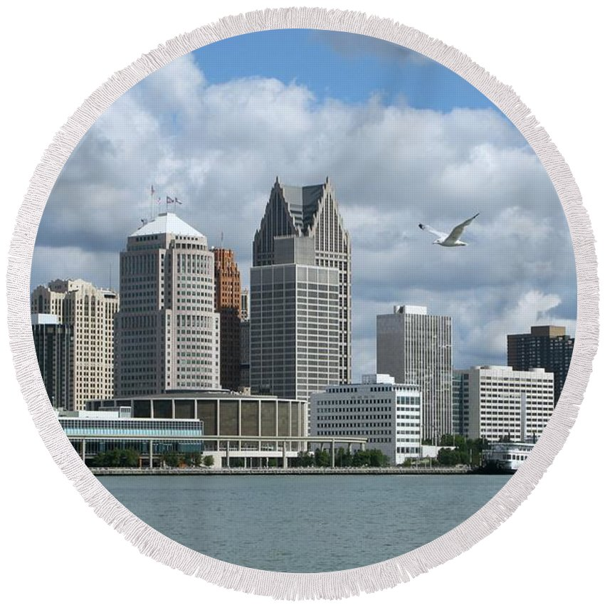 Detroit Round Beach Towel featuring the photograph Detroit Riverfront by Ann Horn