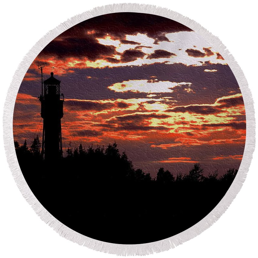 Apostle Round Beach Towel featuring the photograph Devil's Island Lighthouse by Kim Blaylock