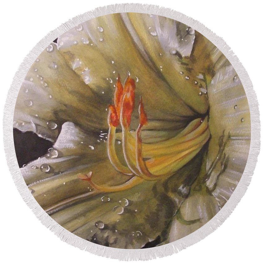 Daylily Round Beach Towel featuring the painting Diamonds by Barbara Keith