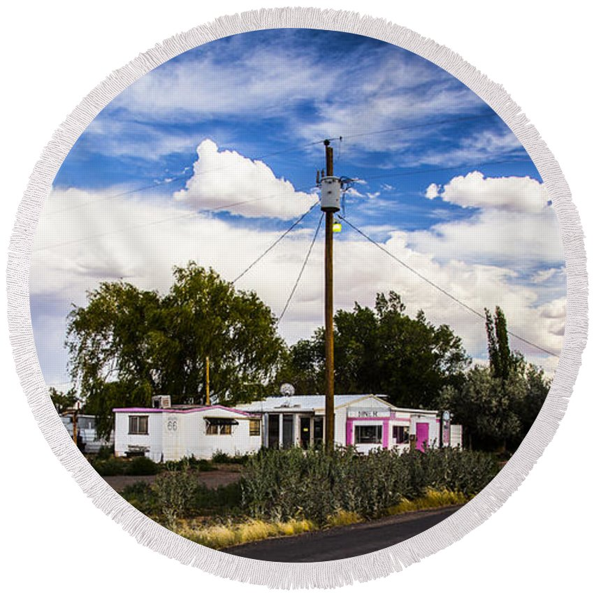 Route 66 Round Beach Towel featuring the photograph Diner by Angus Hooper Iii