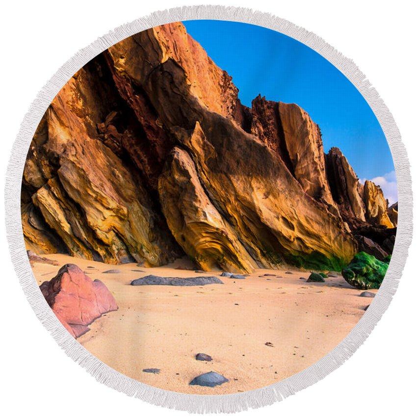 Rock Round Beach Towel featuring the photograph Dinosaur Tail by Edgar Laureano