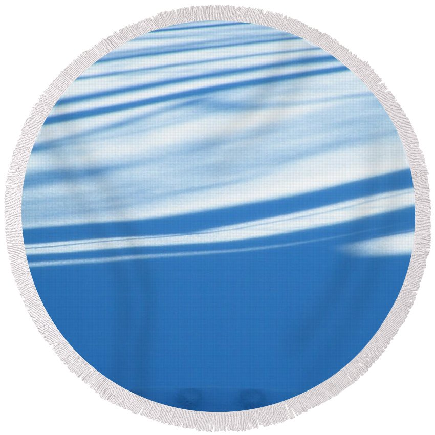 Dots Round Beach Towel featuring the photograph Dots And Dashes by Brian Boyle