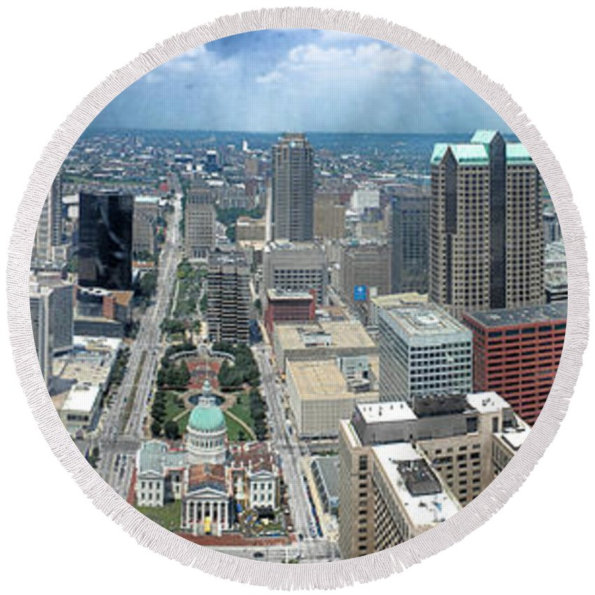 Panorama Round Beach Towel featuring the photograph Downtown St. Louis by Thomas Woolworth