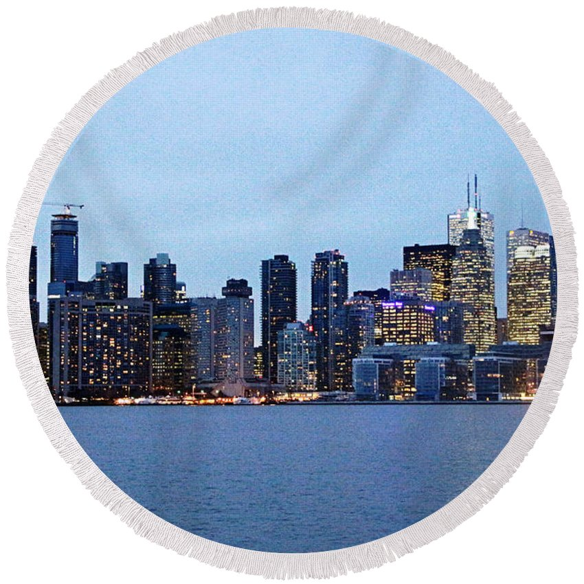 Centre Island Round Beach Towel featuring the photograph Downtown Toronto by Munir Alawi