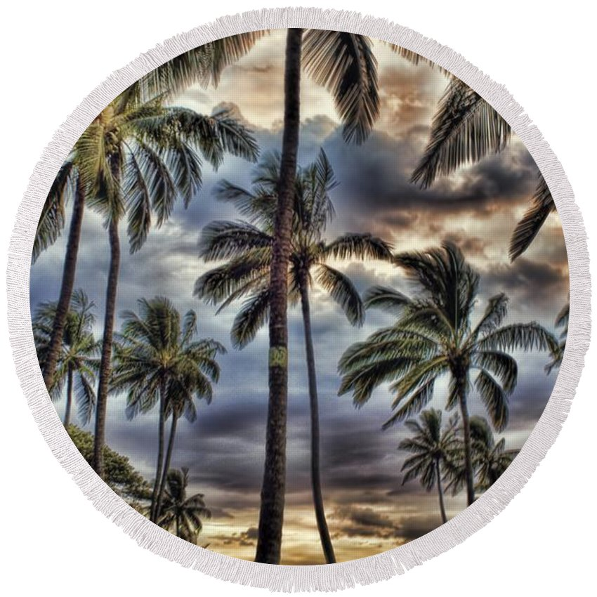 Palm Trees Round Beach Towel featuring the photograph Dramatic Maui Sunset by Peggy Hughes