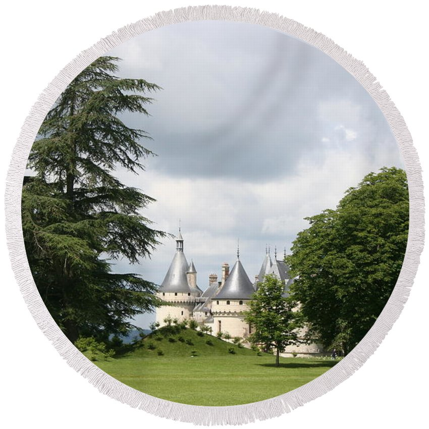 Palace Round Beach Towel featuring the photograph Dreamlike - Chateau Chaumont by Christiane Schulze Art And Photography