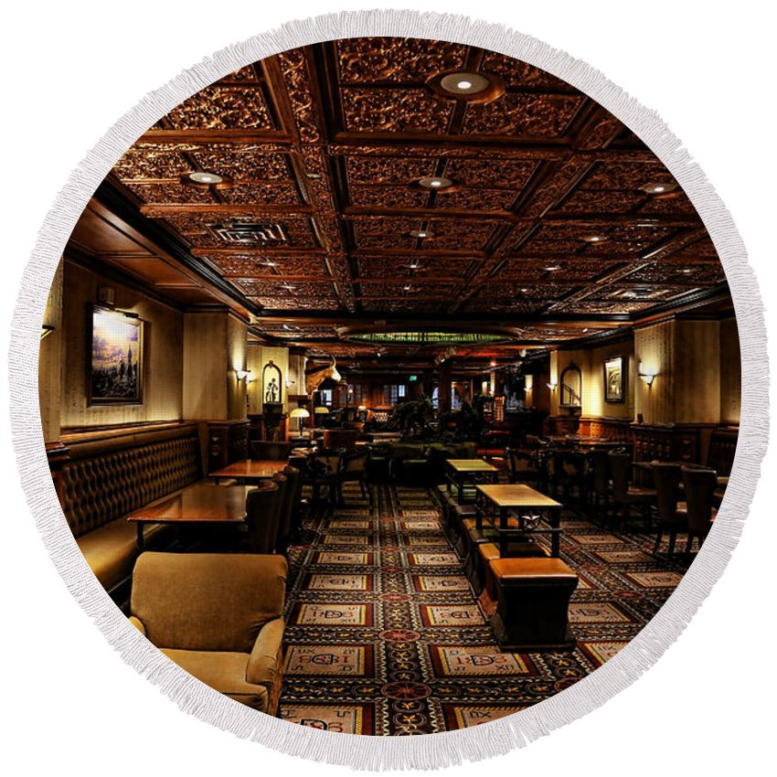 Austin Round Beach Towel featuring the photograph Driskill Hotel Upper Lobby by Judy Vincent