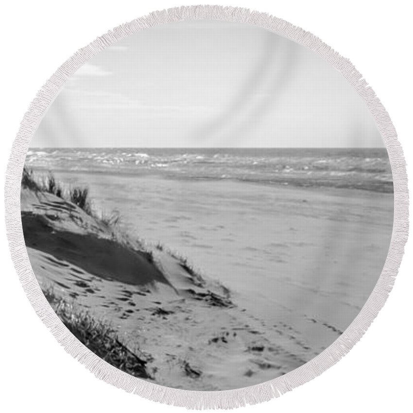 Sea Round Beach Towel featuring the photograph Dutch Coast Black And White by Alex Hiemstra