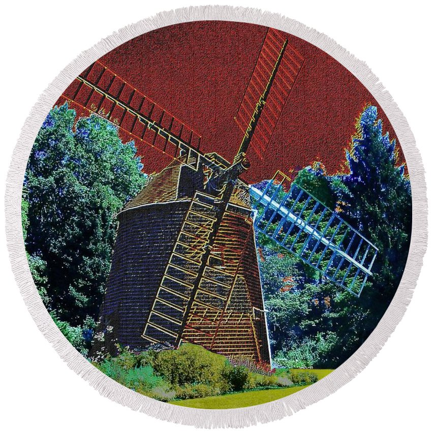 Windmills Round Beach Towel featuring the painting Early Morning At The Mill by Cliff Wilson