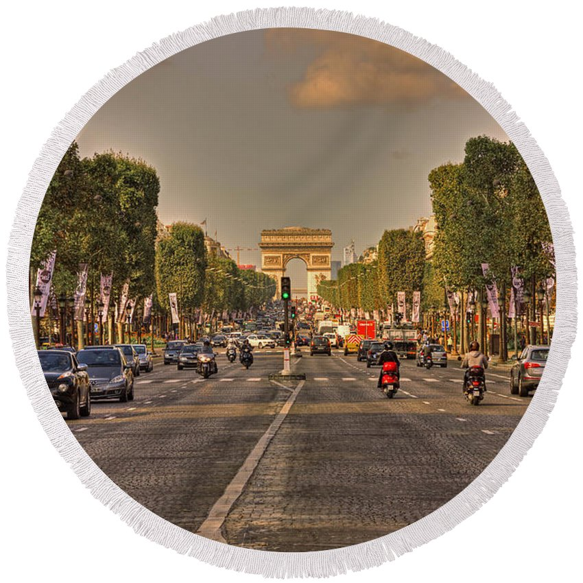 Street Round Beach Towel featuring the photograph Early Morning Champes Elysees by Hany J