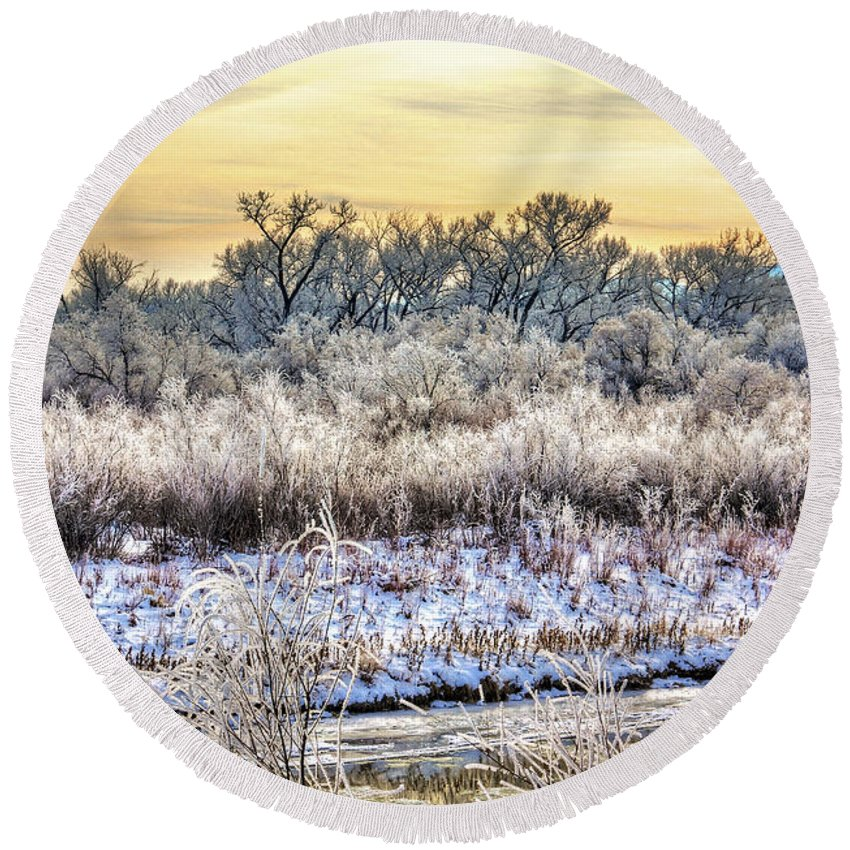 Colorado Round Beach Towel featuring the photograph Early Morning Frost by Bob Hislop