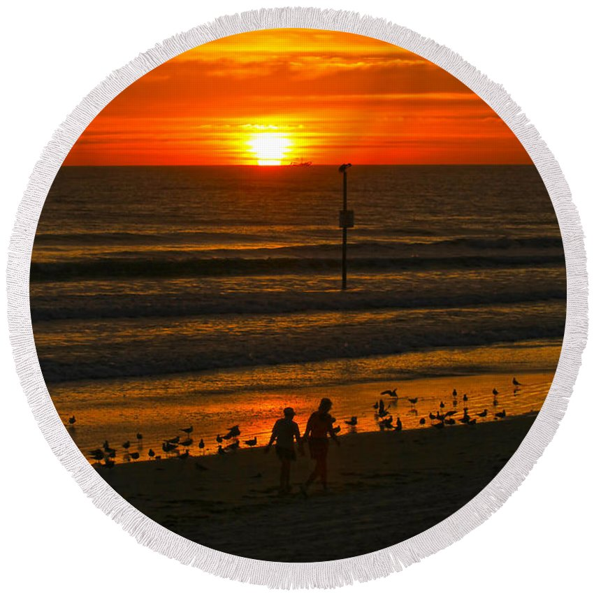 Sunrise Round Beach Towel featuring the photograph Early Morning Glow by Deborah Benoit