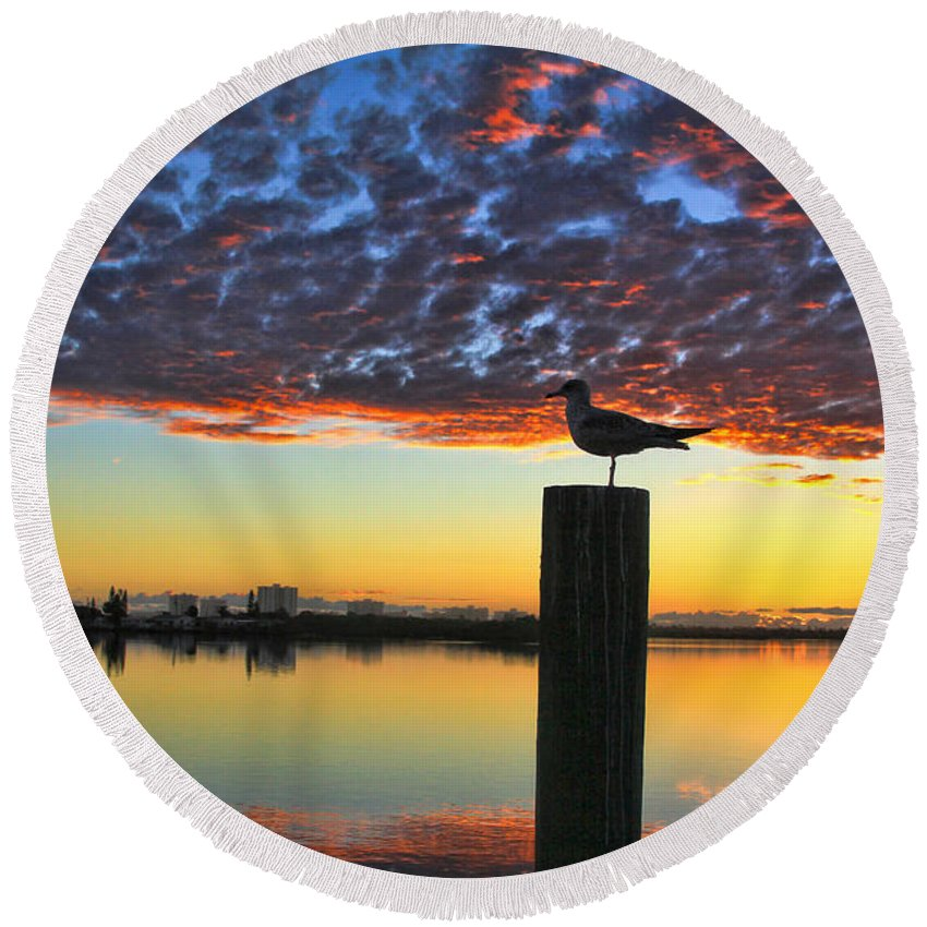 Sunrise Round Beach Towel featuring the photograph Early Morning View by Deborah Benoit
