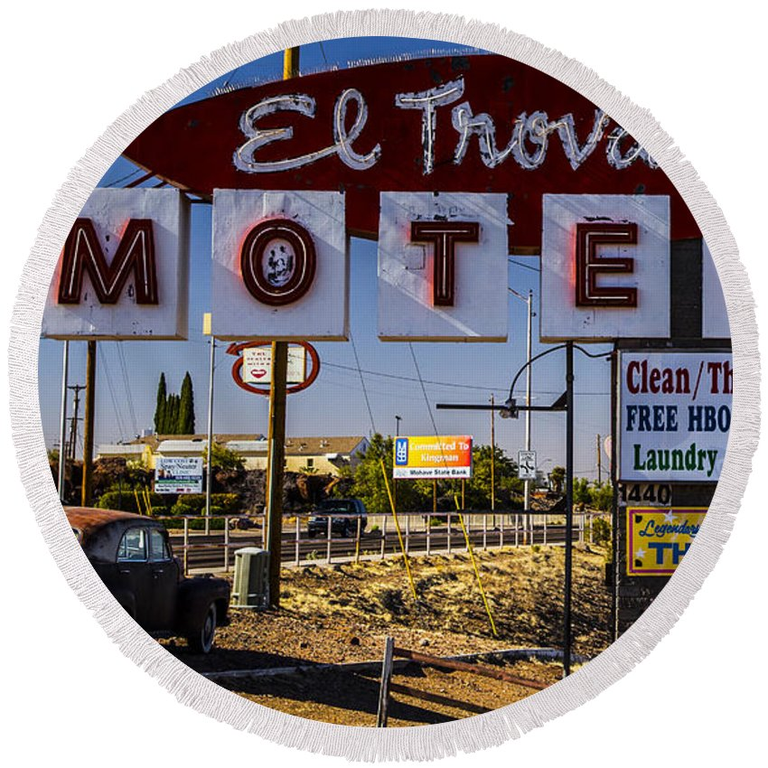 Route 66 Round Beach Towel featuring the photograph El Trovatore Motel by Angus Hooper Iii
