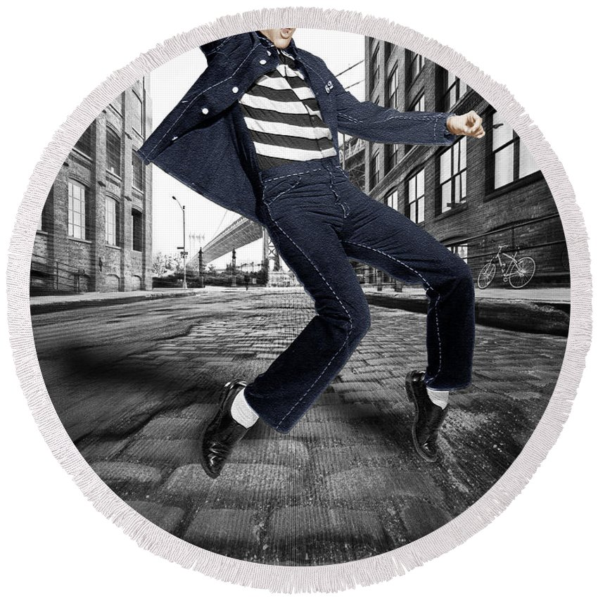 Elvis Presley Round Beach Towel featuring the photograph Elvis Presley In New York City Street by Tony Rubino
