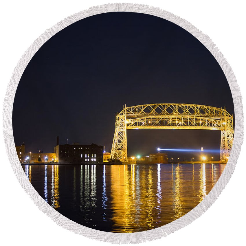 Duluth Round Beach Towel featuring the photograph Entering Duluth Harbor by Penny Meyers