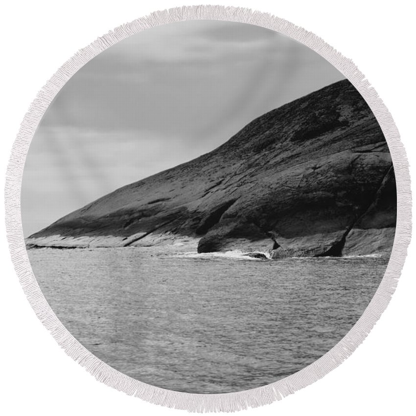 Black And White Photo Round Beach Towel featuring the digital art Esperance Rock Bw by Tim Richards