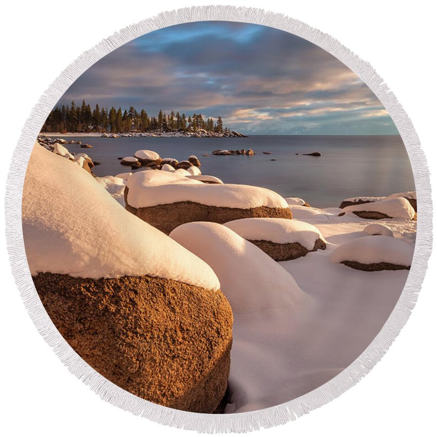 Landscape Round Beach Towel featuring the photograph Essence Of The Season by Jonathan Nguyen