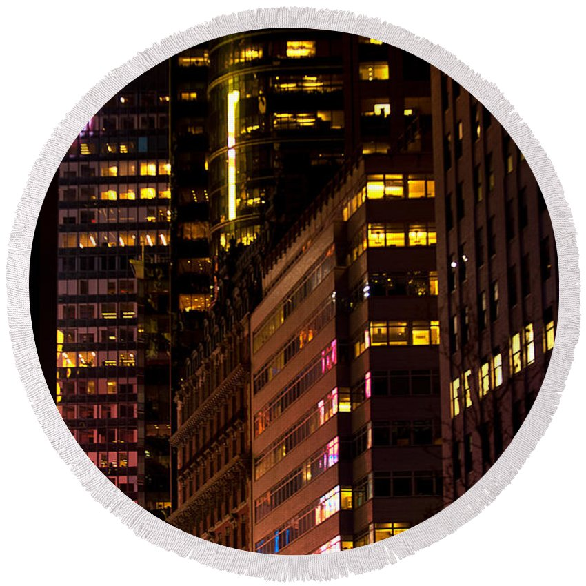 """""""new York City"""" Round Beach Towel featuring the photograph Evening Color by Paul Mangold"""